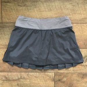 Lululemon Run Pacesetter Skirt Gray sz 2 NWOT